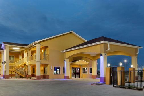 Days Inn by Wyndham Odessa - Odessa - Building