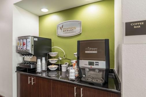 Sleep Inn & Suites - College Station - Buffet