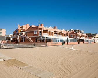 Lloyds Beach Club - Торревєха - Building