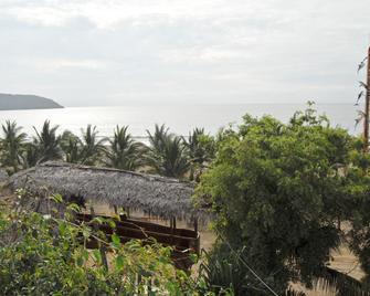 Hosteria Mandala - Puerto López - Außenansicht