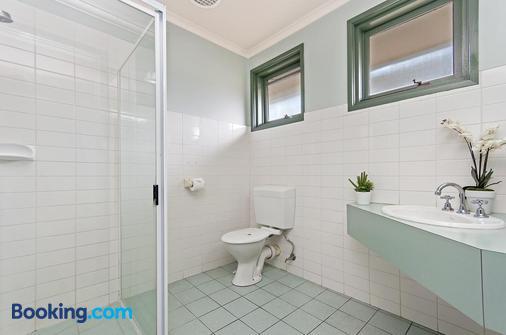 Melaleuca Motel - Portland - Bathroom