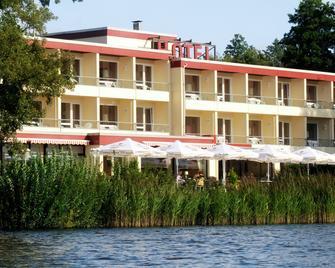 Seehotel Schwanenhof - Molln - Gebouw