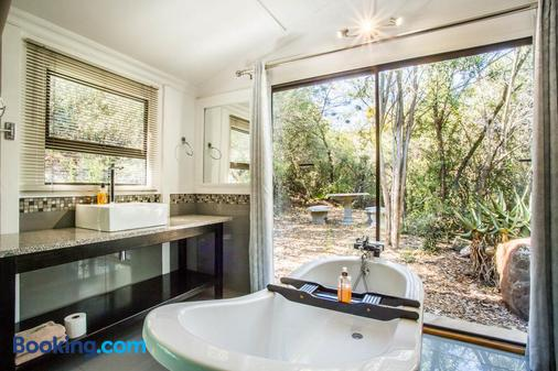 Old Mill Country Lodge and Restaurant - Oudtshoorn - Bathroom
