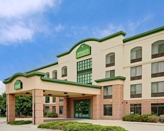 Wingate by Wyndham Fargo - Fargo - Building