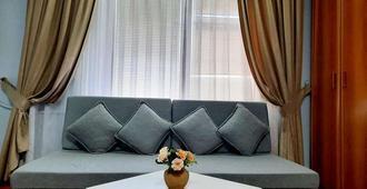 Hotel Aristocrat & Fish Restaurant - Skopje - Soggiorno