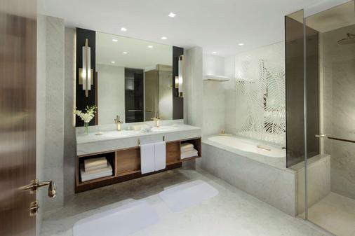 Grand Hyatt Dubai - Dubai - Bathroom