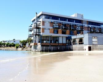 Hoedjiesbaai Hotel - Saldanha Bay - Building