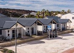Oceanside Village - Denham - Edificio