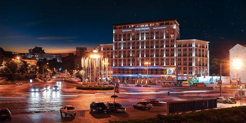 Hotel Dnipro - Kyiv - Building