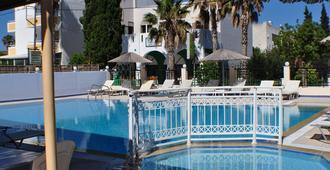Zouboulia Apartments - Kardamena - Pool