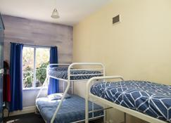 Pirates Backpackers - Hostel - Fremantle - Makuuhuone