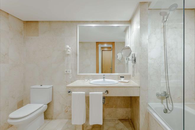 Hesperia Ciudad de Mallorca - Palma de Mallorca - Bathroom
