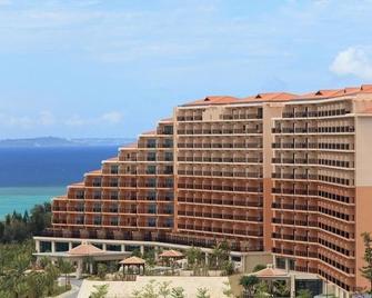 Kafuu Resort Fuchaku Condo Hotel - Onna - Building