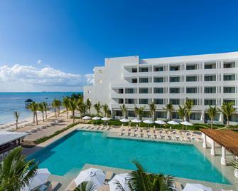 Izla Hotel - Isla Mujeres - Building