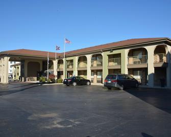 Best Western Executive Inn - Grove City - Building