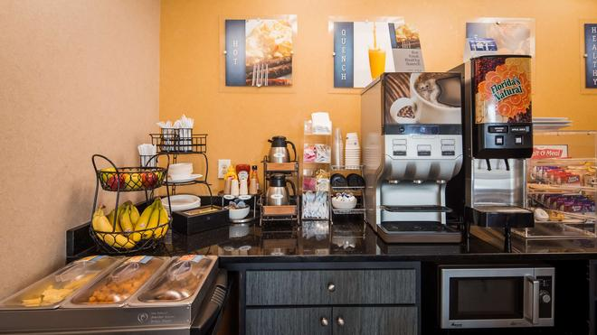 Best Western Executive Inn - Grove City - Buffet