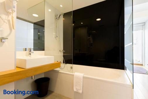 Hotel Laranjeira - Viana do Castelo - Bathroom