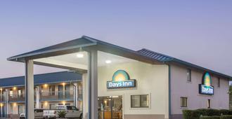 Days Inn by Wyndham Valdosta at Rainwater Conference Center - Valdosta - Edificio