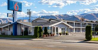Motel 6 Wenatchee, WA - Веначи