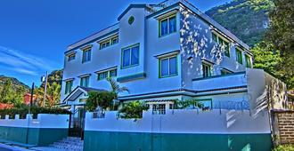Hotel El Sol - Panajachel - Edificio