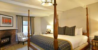 Pillar and Post - Niagara-on-the-Lake - Bedroom