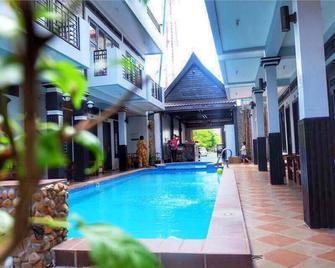 Vibola Guesthouse - Kampot - Pool