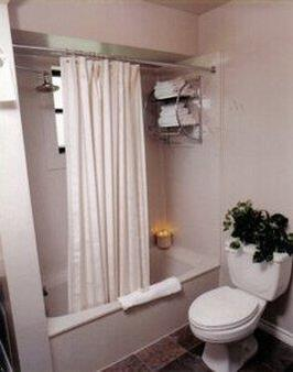Vineyard Court Designer Suites Hotel - College Station - Kylpyhuone