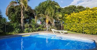 Bennetts Thermal Pools Motor Inn - Tauranga - Πισίνα