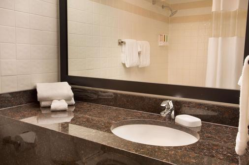 帕迪尤卡德魯里酒店 - 帕度卡 - 帕迪尤卡 - 浴室