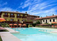 Hotel Romantic - Cavaion Veronese - Piscine