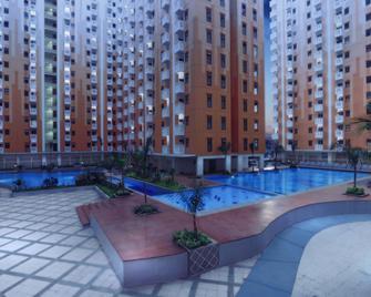 Sunshine Inn Hotel Bekasi - Kota Bekasi - Kolam