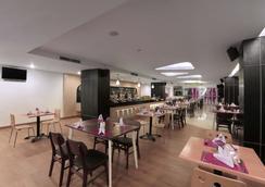 Favehotel Ahmad Yani Bekasi - Bekasi - Restaurant