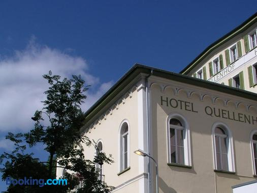 Hotel Quellenhof - Scuol - Building