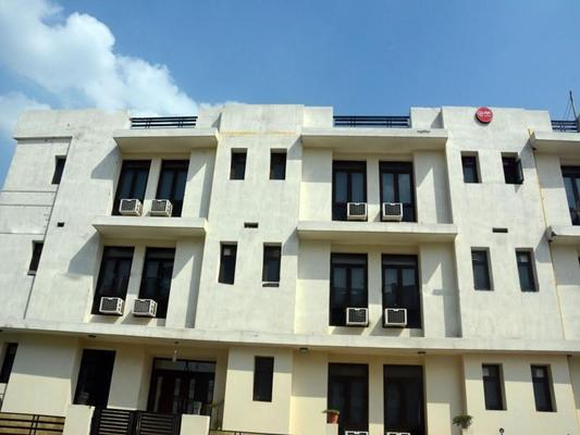 Oyo 404 Hotel Bluebell - Greater Noida - Building