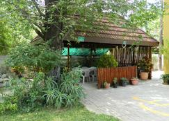 Thamalakane guest house - Maun - Outdoor view