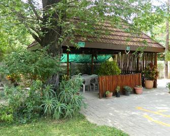 Thamalakane guest house - Маун - Вигляд зовні
