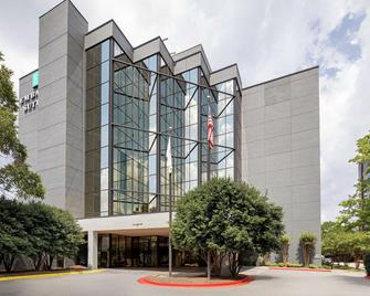 Embassy Suites by Hilton Atlanta Perimeter Center - Atlanta - Building