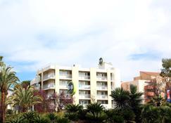 B&B Hotel Hyeres - Hyères - Gebäude