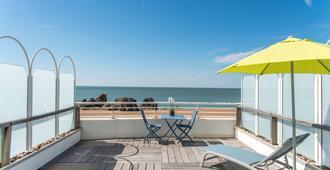 Best Western Hotel De La Plage - Saint-Nazaire - Balcony