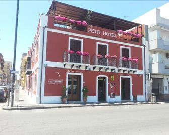 Petit Hotel - Milazzo - Building