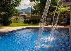 Courtyard Marriott San Salvador - San Salvador - Pool