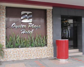 Oyster Plaza Hotel - Las Piñas - Outdoors view