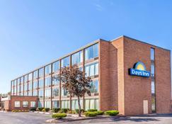 Days Inn by Wyndham Syracuse - Syracuse - Building