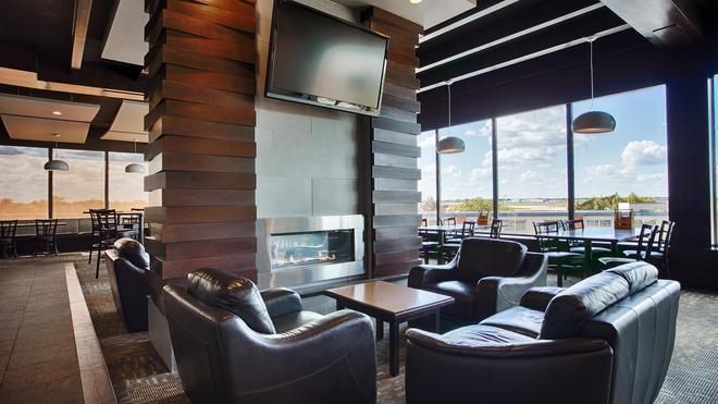 Best Western Plus City Centre Inn - Edmonton - Bar