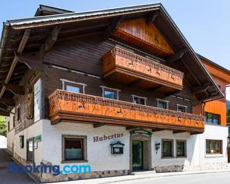 Haus Hubertus - Wagrain - Building