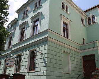 Pension Engelhardt - Кведлінбург - Building