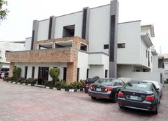 S&S Hotels and Suites - Lagos - Building