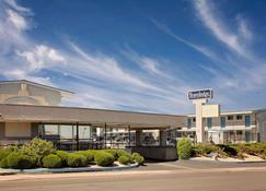 Travelodge by Wyndham Page - Page - Building