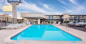 Travelodge by Wyndham Page - Page - Pool