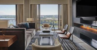 Four Seasons Hotel Austin - Austin - Living room